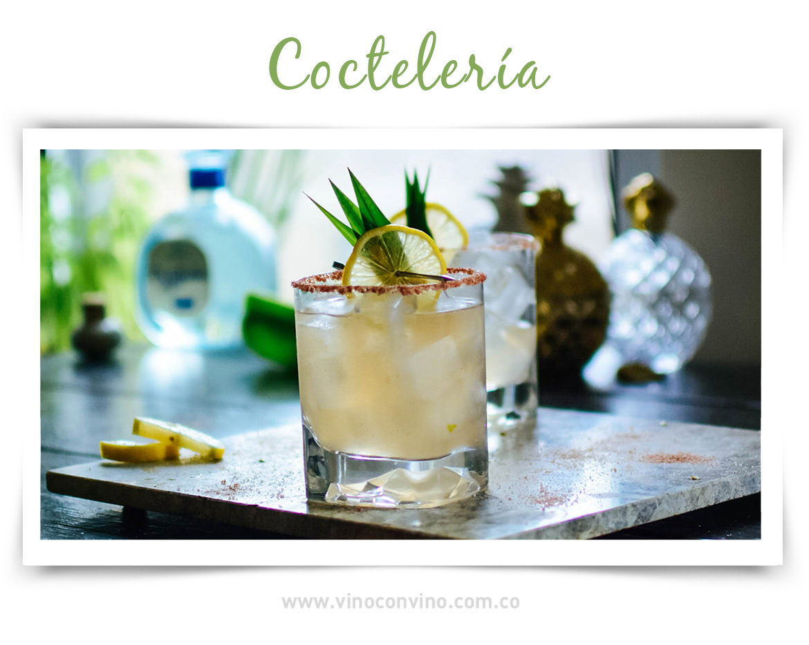 Coctelería con Mezcal - Imagen de: vinepair.com